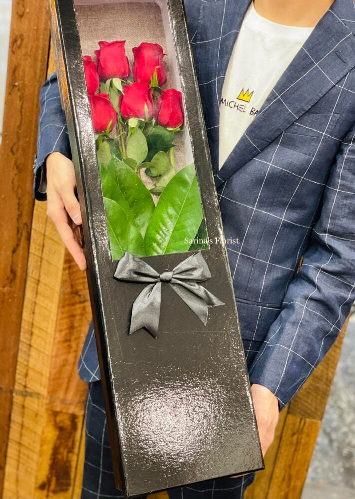 6 stems of red roses box