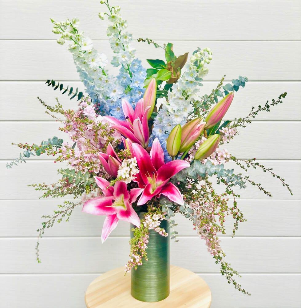 Lush lily vase