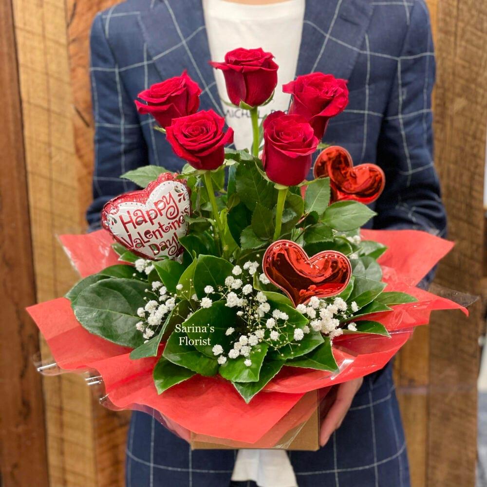 Valentine`s 5 red rose box premium