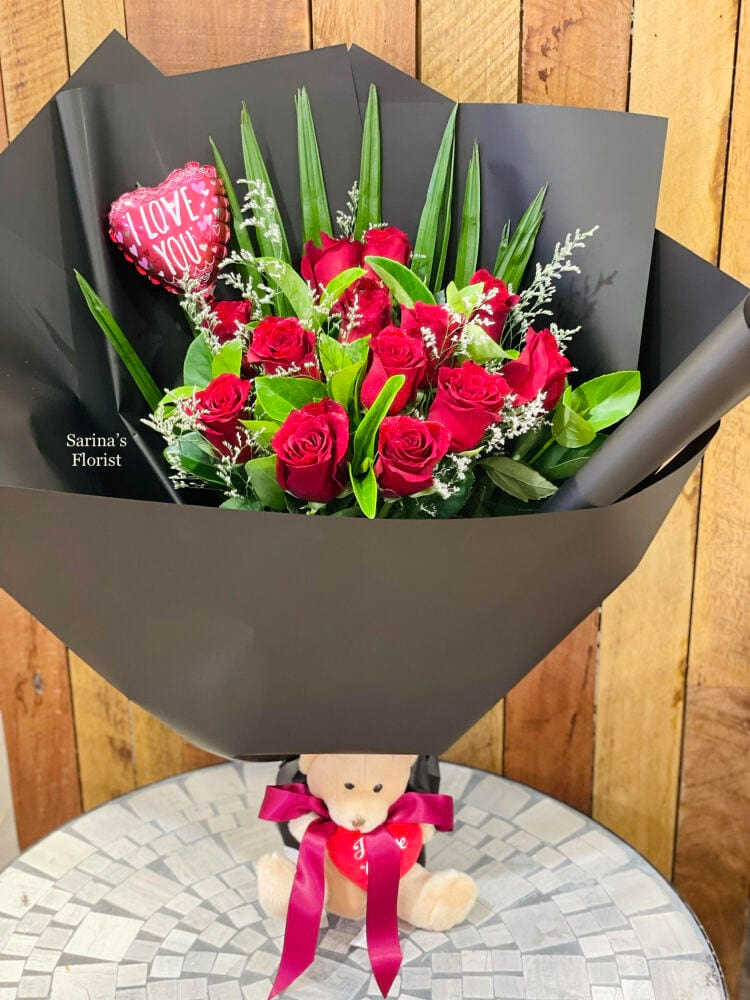 12 stems red rose bouquet