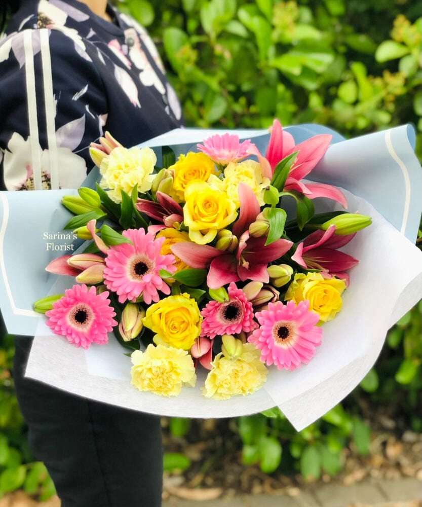 Soft pink and yellow bouquet